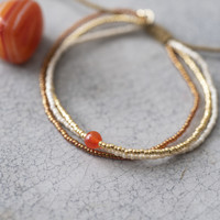 A Beautiful Story Bloom Gouden Armband - Carneool