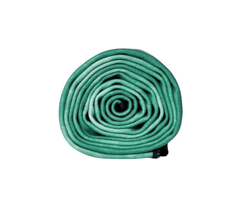 Manduka eQua Handdoek 182cm 67cm - Camo Tie Dye Greens