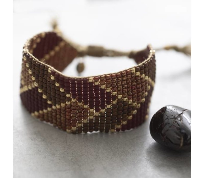 A Beautiful Story Willow Goldenes Armband - Granat