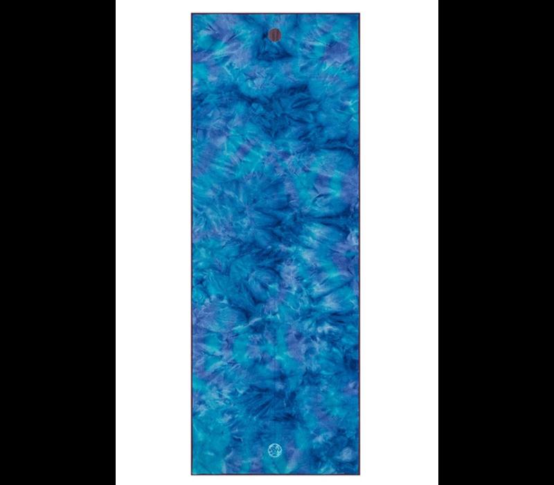 Yogitoes Yoga Handdoek 172cm 61cm - Groovy Playa Hand Dye Blue