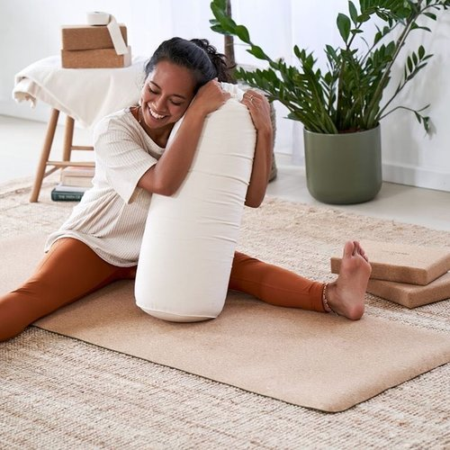 Yoga mit einem Bolster