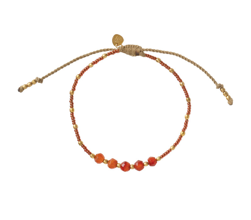 A Beautiful Story Family Gouden Armband - Carneool