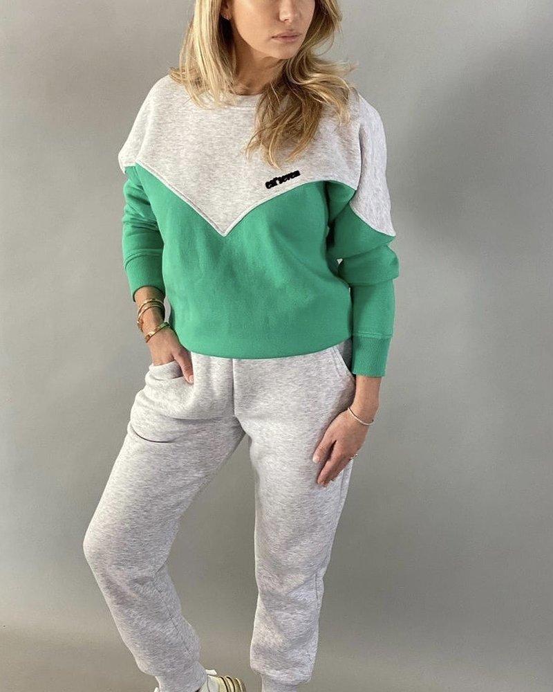 Est Seven Logo sweater