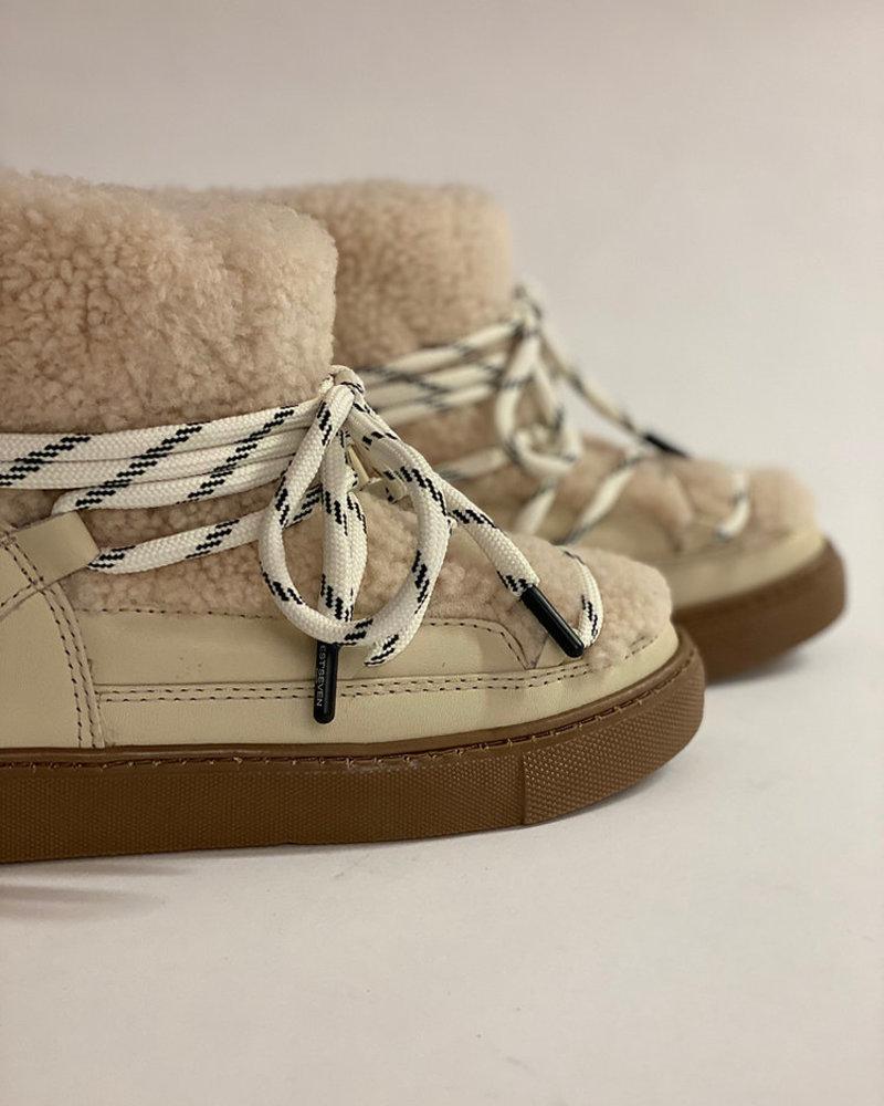 Est' mouton boots gurly fur