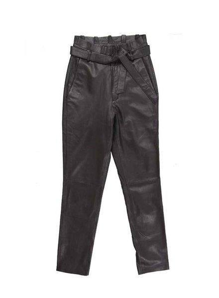 Est Seven Ruffle Trousers