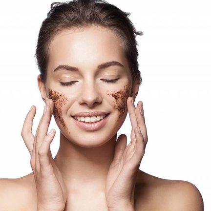 Peeling- en gezichtsscrub