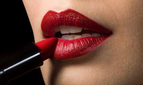 Rode Lipstick? Wij zeggen : Doen!