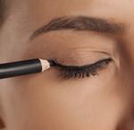 Hoe breng je een oogpotlood aan?