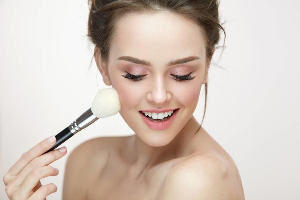 Hoe gebruik je een blush l viva donna