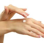Hoe verzorg je droge handen
