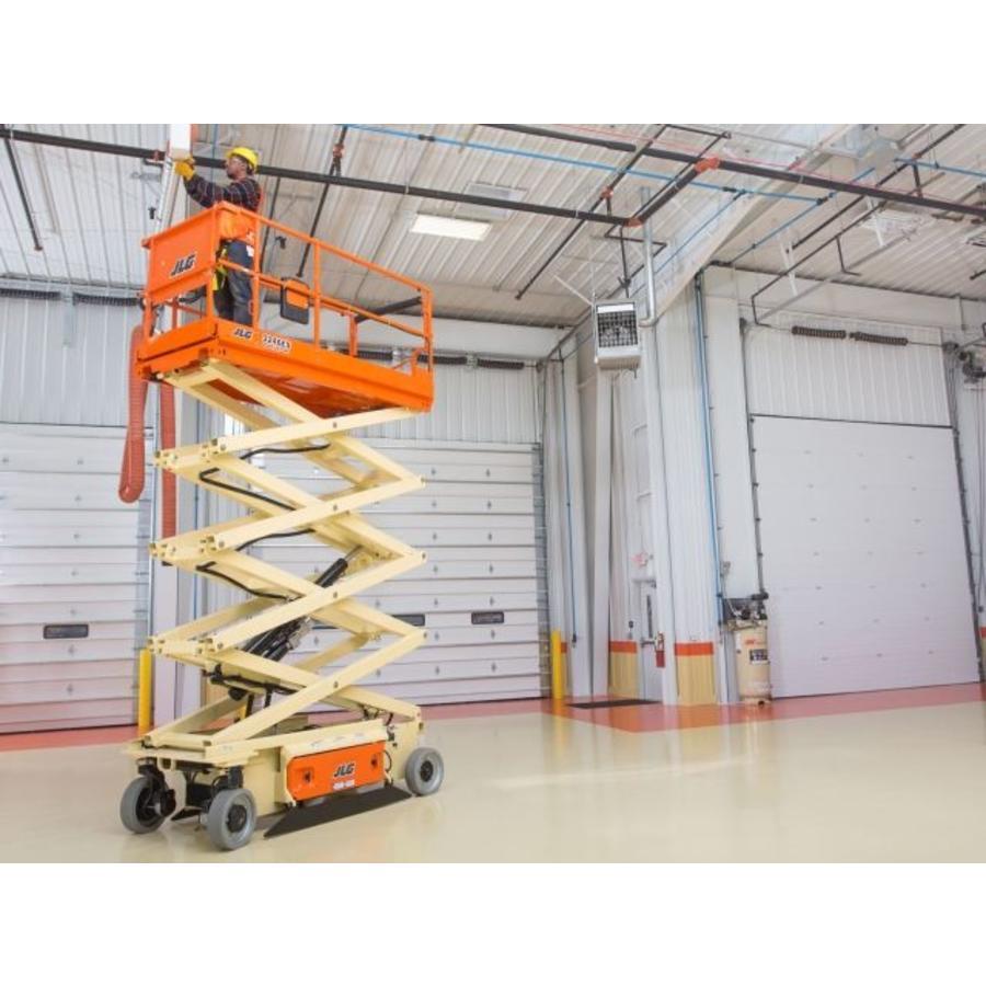 Elektrische schaarlift 11.5 meter huren