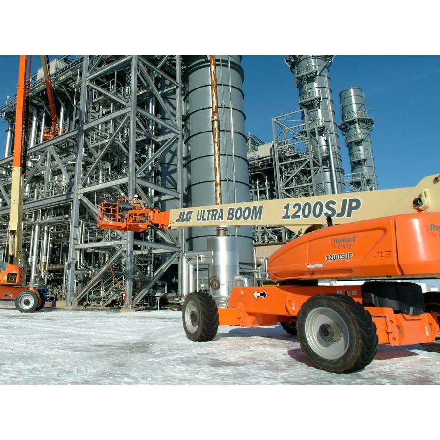 Diesel Telescoophoogwerker 38 meter huren