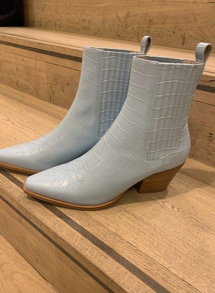 Otis boots Sol Sana
