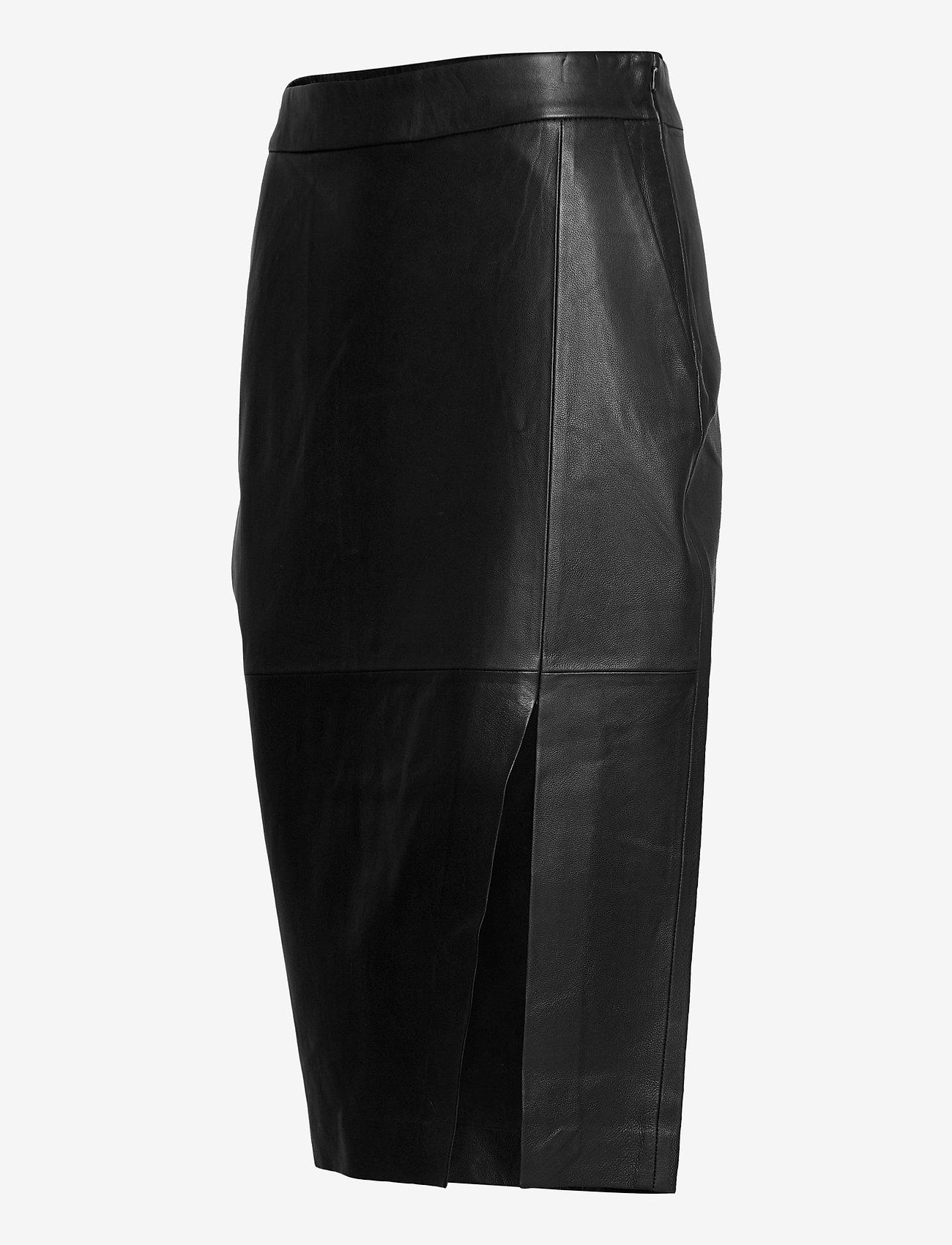 Thousand skirt day-1