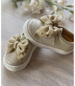 ELI BY CUCADA  | Sneaker met strik - Goud