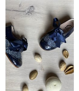 ELI BY CUCADA  | Veterschoen met satijnen strik - Marineblauw