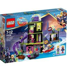 LEGO LEGO DC Super Hero Girls Lena Luthor Kryptomite-fabriek - 41238