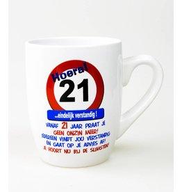 Verkeersbord mok 21 jaar
