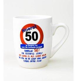 Verkeersbord mok 50 jaar