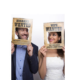 Funny Props Husband/Wife Wanted (32x24cm), 2 Stuks