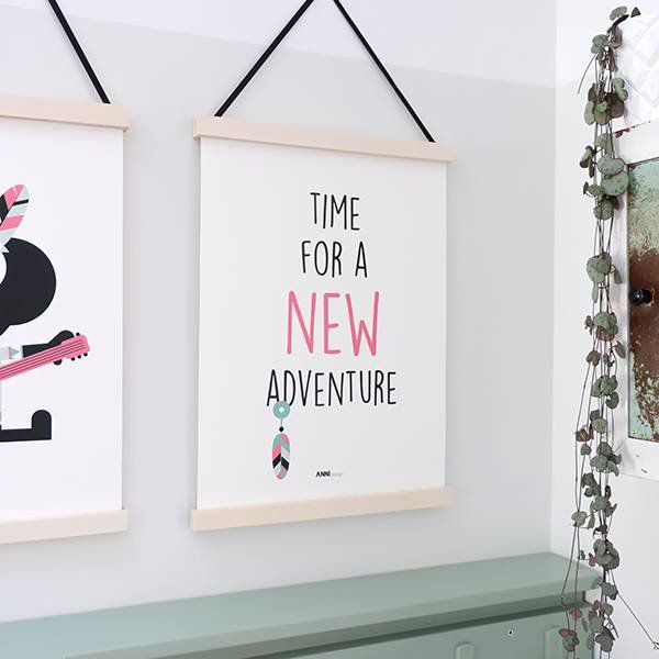 POSTER NEW ADVENTURE BABYKAMER | ROZE