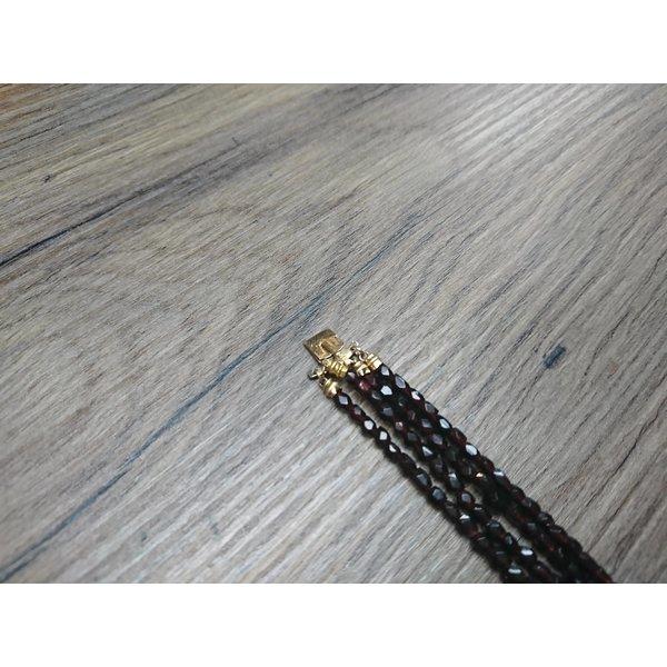 Granaten collier met gouden slot