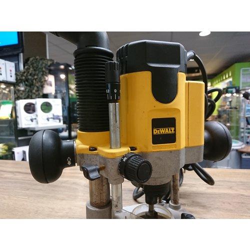 Dewalt Bovenfreesmachine electronisch 1100W - DW621