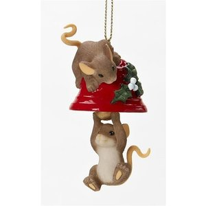 Charming Tails Ring in the Holidays