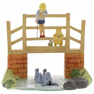 Disney Enchanting Classic Pooh Figurine (Poohsticks)