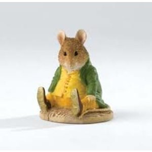 Peter Rabbit (Beatrix Potter) by Border Samuel Whiskers (2017 Club Members Figurine)