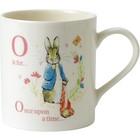 Peter Rabbit (Beatrix Potter) by Border Mug Beatrix Potter - Letter O (Peter with Onions)