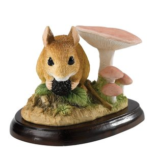 Border Fine Arts Field Mouse With Berry