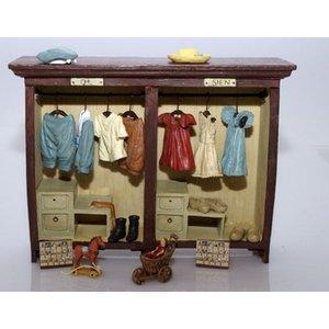 Ot En Sien Beeldjes.Ot En Sien Ot And Sien Clothes Cabinet Friends 2 Hold On
