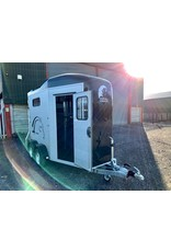 Cheval Liberte Cheval Touring Country with Saddle Room in Black