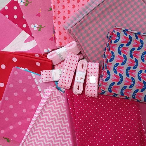Donker roze (4x + biabs) 4 mondkapjes pakket