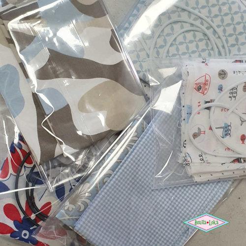 Lichtblauw (1 met elastiek) 1 mondkapje pakket