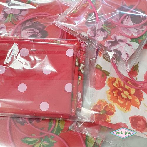 rood (1 met elastiek) 1 mondkapje pakket