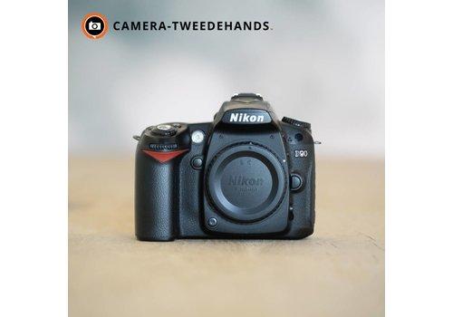 Nikon D90 -- 24990 kliks