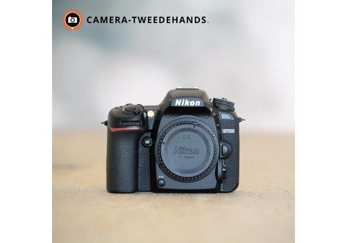 Nikon D7500 -- 1244 kliks