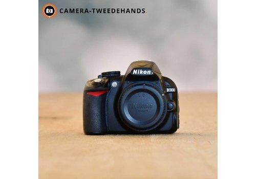 Nikon D3100 -- 32.440 kliks