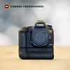 Canon Canon 5D Mark III + BG-E11 -- 10702 kliks