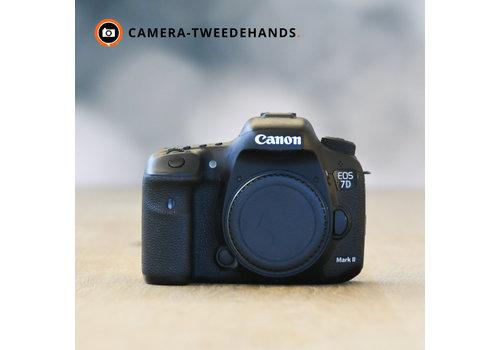 Canon 7D Mark II -- 70.718