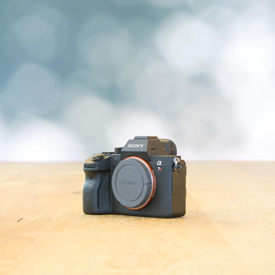 Sony A7R III -- 9432 kliks