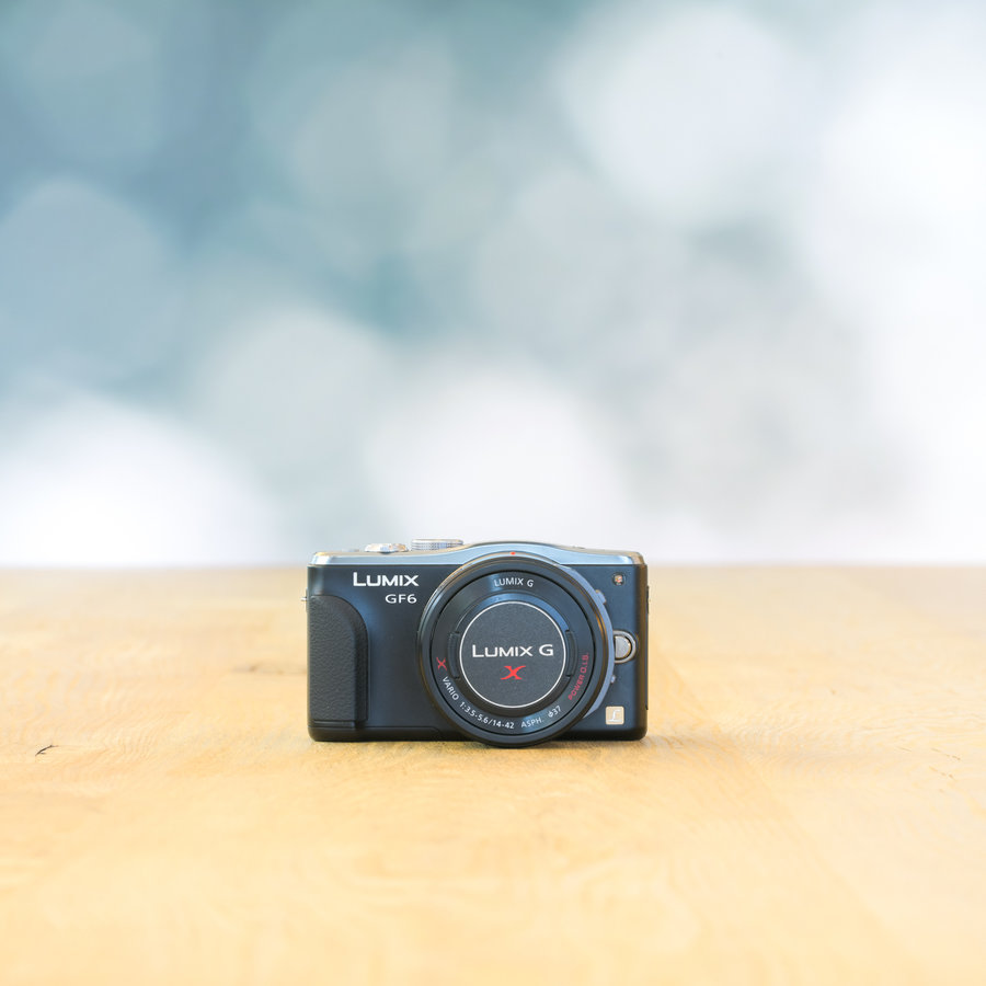 Panasonic LUMIX DMC-GF6 + Panasonic Lumix G 14-42mm f/3.5-5.6 powerzoom
