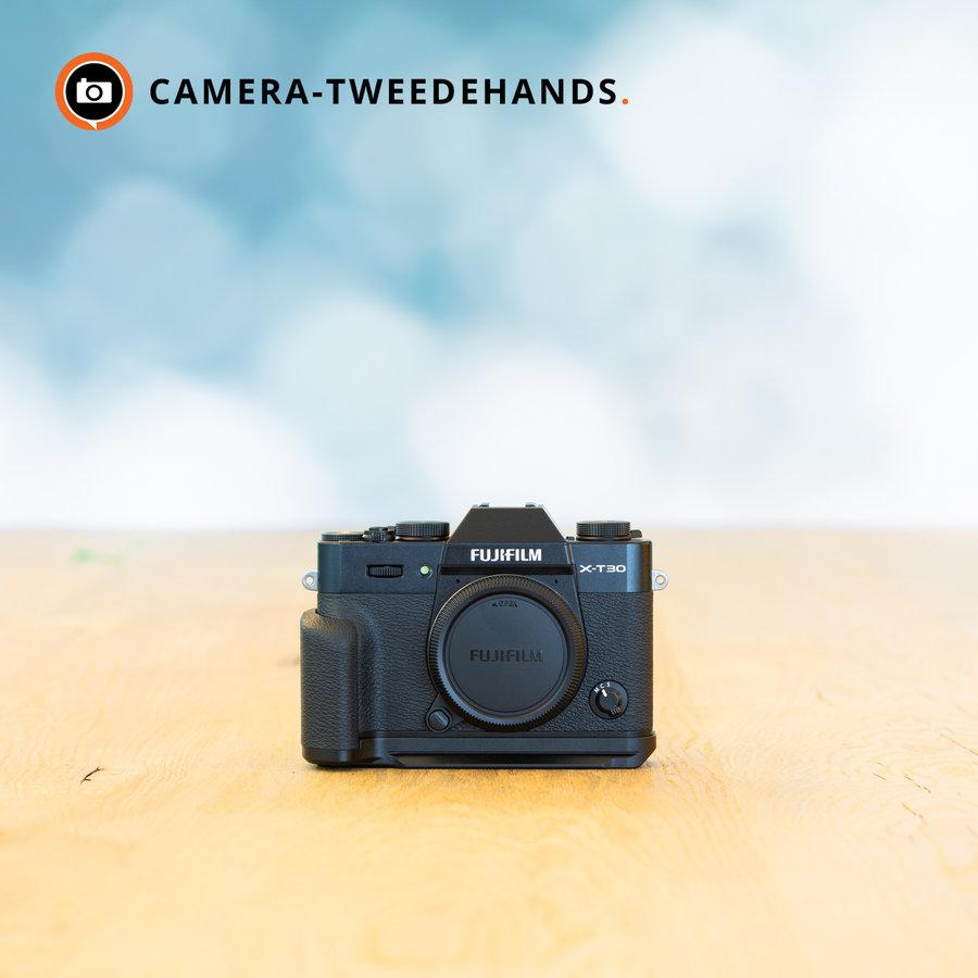 Fujifilm X-T30 + handgrip