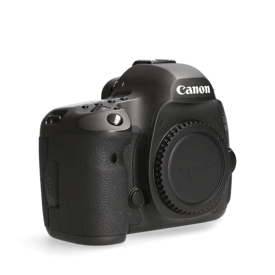 Canon 5Ds -- 12.015 kliks