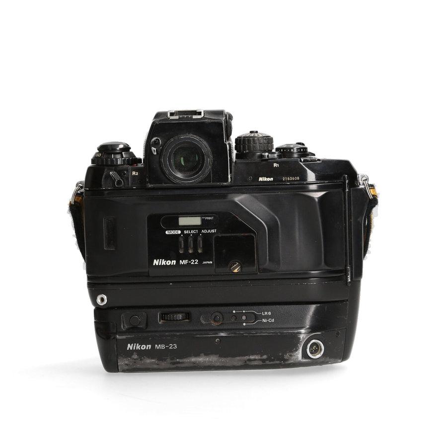 Nikon F4 + MB-23