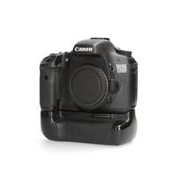 Canon 7D + Meike grip