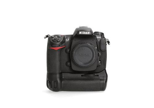 Nikon D300 + Booster Grip - <10.000 kliks