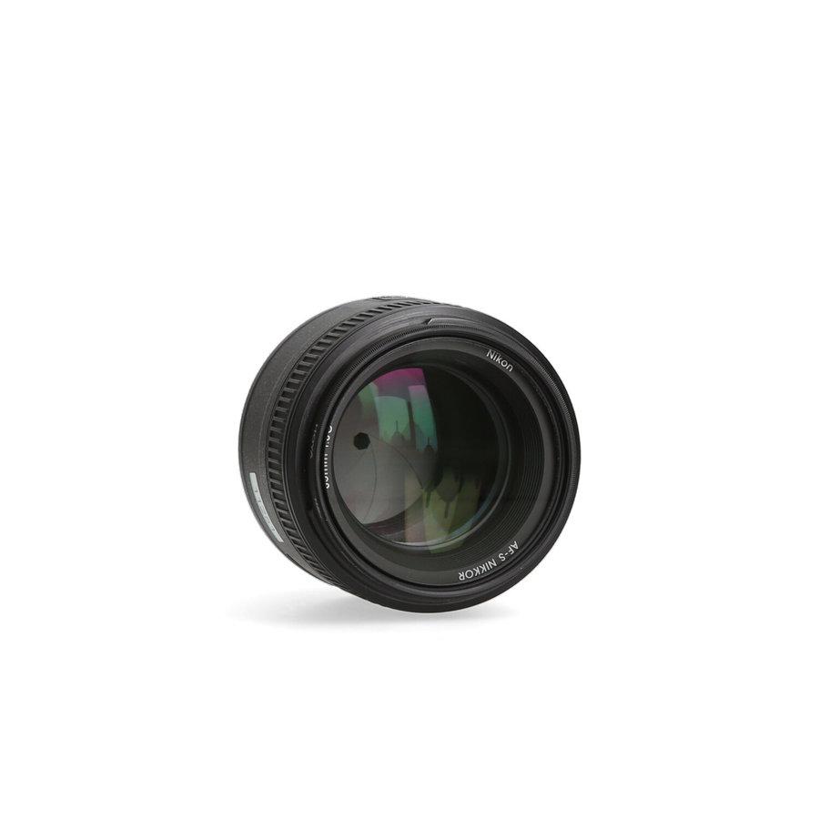 Nikon 85mm 1.8 AF-S G + filter